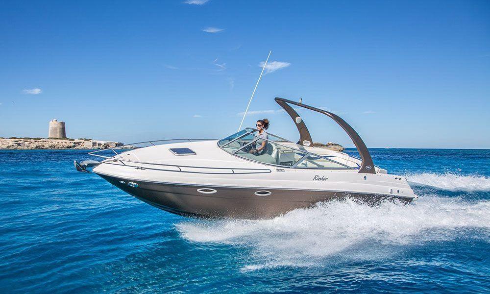 Alquiler de barcos en Ibiza rinker 29