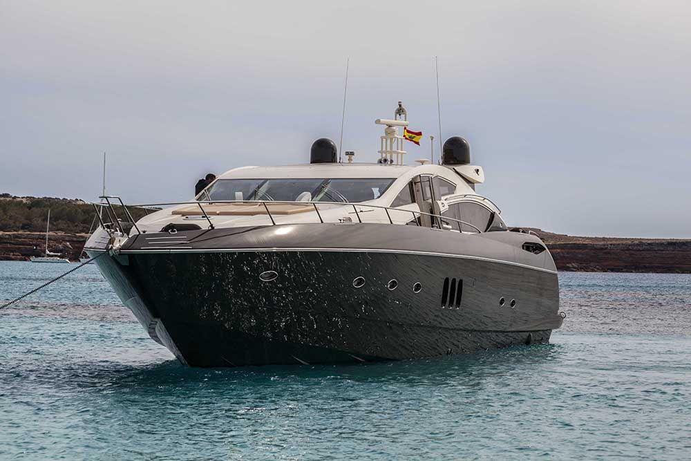 Alquiler de barcos en ibiza predator 822